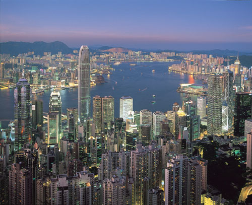 HK Skyline night crdt Uden .jpg